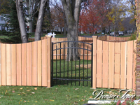 Wood-Privacy-Fence-Solidboard-Scalloped
