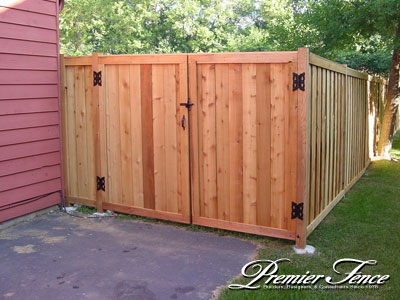 Fence gates diy wooden fence gate for Diy fence gate designs