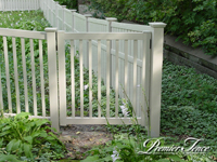 Vinyl-Privacy-Fence-Prestige-Colonial-Picket-Combo