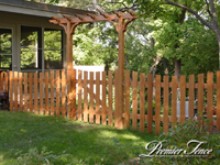 Wood-Picket-Fence-Victoria-Scalloped-with-Highland-Single-Arbor
